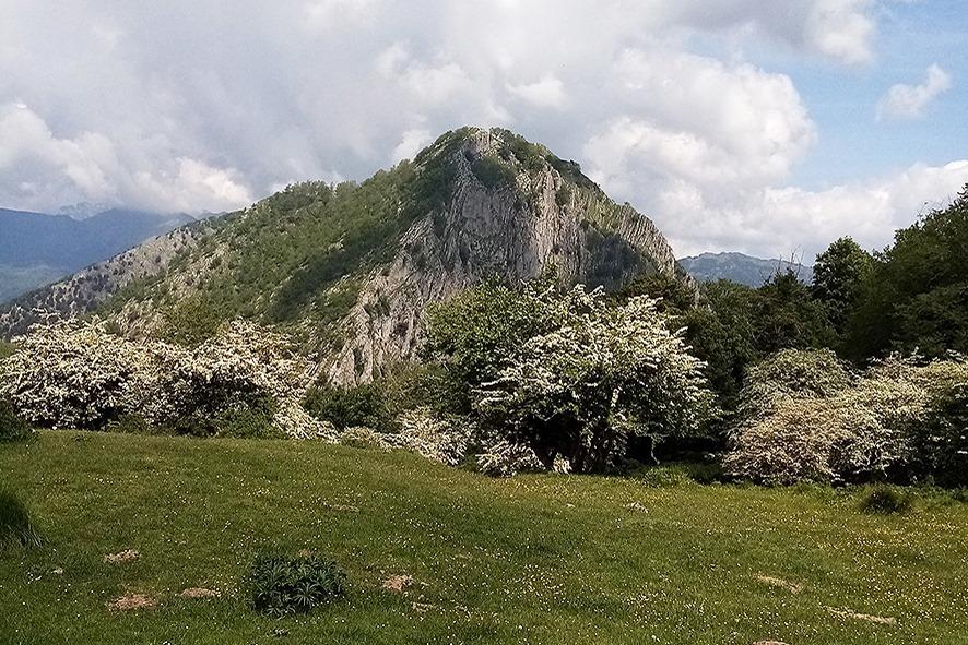 """Croce a Veglia: escursione nei paesaggi quasi alpini della """"Svizzera Pesciatina""""."""